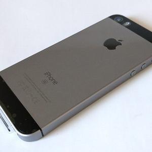 iPhone SE購入。
