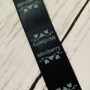 Mintberryのタグと、カリタの赤