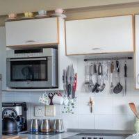 スペース活用! 冷蔵庫の上の空間に収納できる棚 1人暮らし
