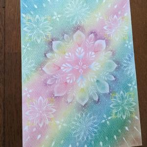 光の曼荼羅パステル 一緒に描いた私のA4 曼荼羅も 花です