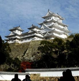 韓国人観光客が減り悲しむ神戸新聞