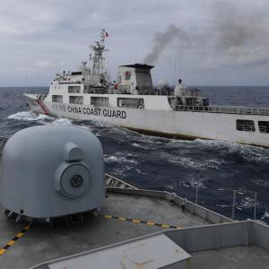 日本政府が中国への渡航解禁を検討
