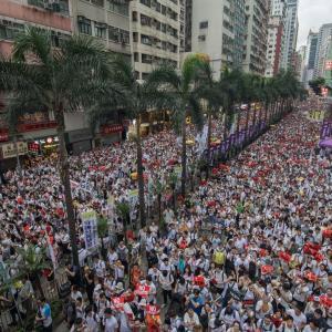 香港のデモと日本の原発デモは全く違う