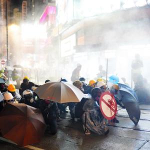 香港デモ 報道姿勢の違い