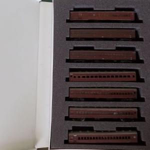 古いGREENMAXの44系客車を弄る。