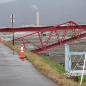 別所線鉄橋付近ボーリング調査 千曲川・諏訪方公園の様子 千曲川堤防復旧工法決定