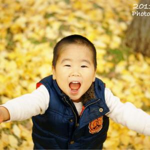 【ママカメラ】子どもと紅葉写真を撮るコツ