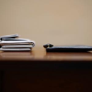 私の【キャッシュレス時代】ミニ財布 vs 薄い財布