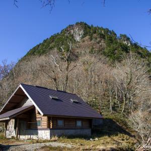 秋旻を駈ける尾根道(奈良県)