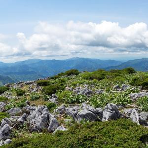 カルスト台地の名峰(御池岳)