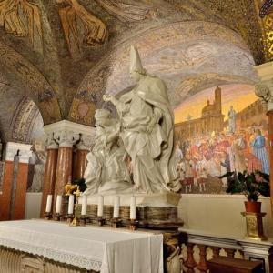 大聖堂のクリプタ…アスコリ・ピチェーノ