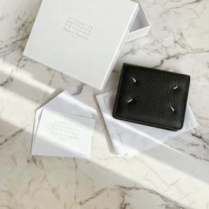 お財布を新しくしました!