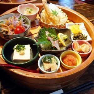 西中洲ランチ【博多なぎの木 西中洲本店】天ぷらにお刺身に品数豊富な小鉢のなぎの木膳を満喫…☆