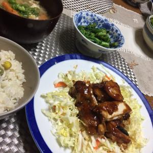 鶏照り焼き、豆ご飯、豚汁