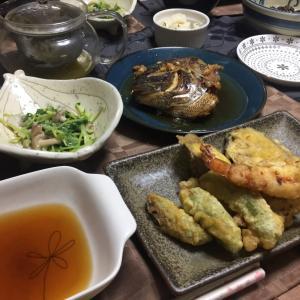 鯛のあら炊き、野菜の天ぷら、潮汁、豆苗としめじの芥子酢味噌和え