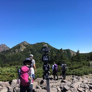 八ヶ岳(西岳 編笠山) -八ヶ岳南端 富士見高原から