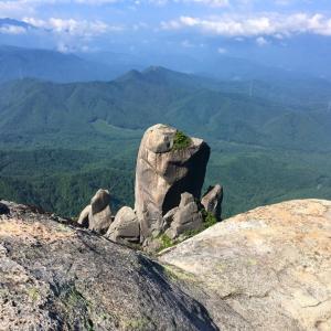 瑞牆山2 -大ヤスリ岩を眺めながら