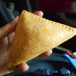 あなたはベイクド派?揚げ派?スリランカ餃子のパティスは選べる美味しさ!【スリランカ】
