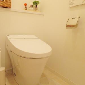立っておしっこはトイレを10倍汚す!