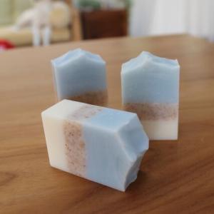 ヘーゼルナッツオイル&ウォルナッツシェルの石鹸