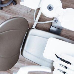 歯科矯正調整日 顎間ゴムかけ開始。