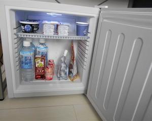 自分専用に小型冷蔵を買って快適生活♪