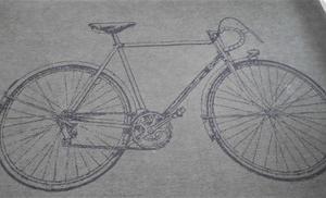 ニトリの自転車柄ラグマットがミニカープレイマットに!(^^)!