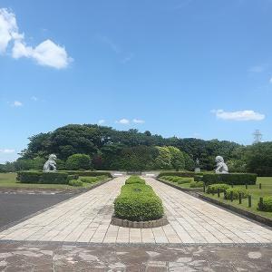 鎌倉霊園の高台にある西武グループ創業者「堤康次郎」のお墓が天皇級でビビった!
