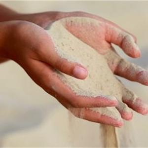 こぼれゆく砂を見て憂う必要はない