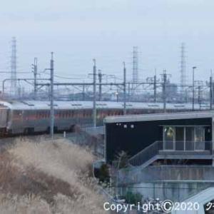 EF64 37+E26系12両 団体「カシオペア紀行」① 吉川  [今日は雪の特異日]