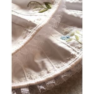 ブティと刺繍のドール服