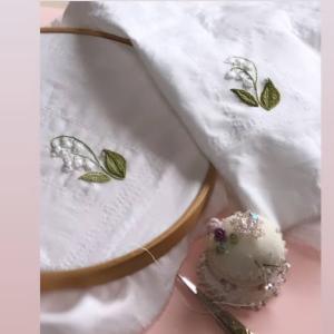スズラン刺繍とブティ