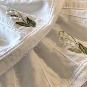 季節外れのスズラン刺繍