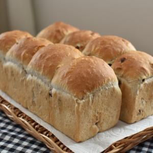 レーズンとナッツのパン作り