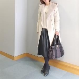 【coordinate】レザープリーツスカート×UNIQLOニットのモノトーンコーデ