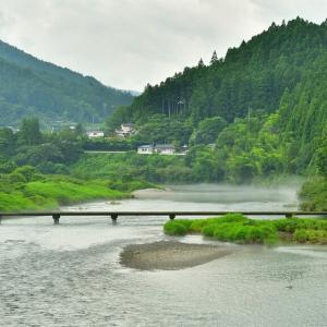 吉野川の「下津野沈下橋」