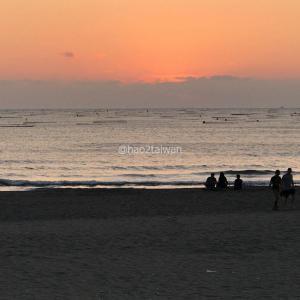 台南の觀夕平臺で名画のワンシーンを彷彿とさせる黄金色の夕陽を眺めてみた