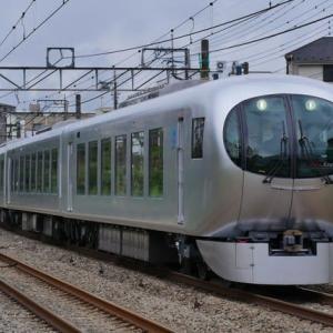 新宿線を走るLaviewとレッドアロー 4月27日・5月1日