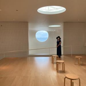 【海の見える横須賀美術館】
