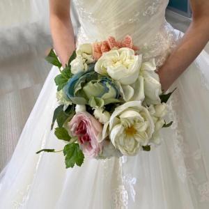 プレ花嫁さんのウェディングドレス選び