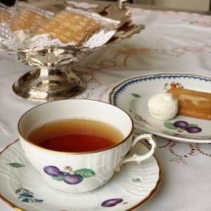 エシレお菓子とひらまつの紅茶でティータイム