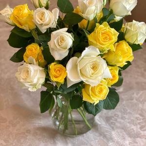 母の日に届いた沢山の薔薇でティータイム