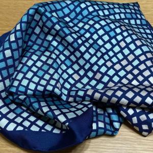 【メルカリで購入】この秋使える大判スカーフ