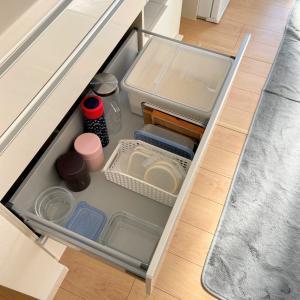 食器棚にすっぽり収まる「米びつ」メンテナンスも簡単♬