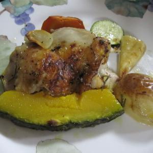 鶏のもも肉と野菜のオーブン焼きです。超簡単❤