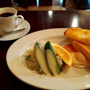 神戸の朝5時から開いている喫茶店のモーニング 神戸市中央区朝日通1丁目 ムーン