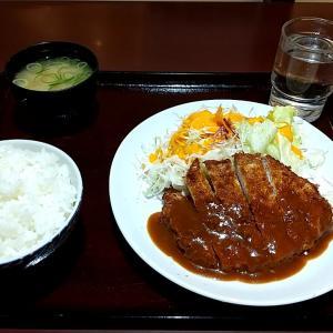 格安のとんかつ定食 神戸市中央区浜辺通5丁目(貿易センタービル地下1階) とんかつ明日香