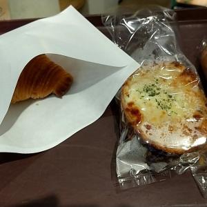 やわらかな酸味のカンパーニュ生地パンでロースハムと自家製ベシャメルソースをサンドし、たっぷりのチーズと焼き上げた絶品のクロックムッシュ 大阪市西区土佐堀1丁目 ラ・フルネ
