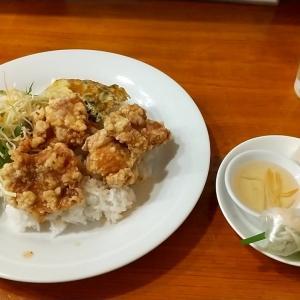 ベトナム料理店のニョクナムを色々なもので割ったややスパイシーでコクのあるタレの絶品鶏の唐揚げご飯 神戸市中央区三宮町1丁目(さんプラザ地下1階) コム ベトナム