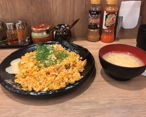 10月9日夕食(伝説のすた丼屋 キムチチャーハン)
